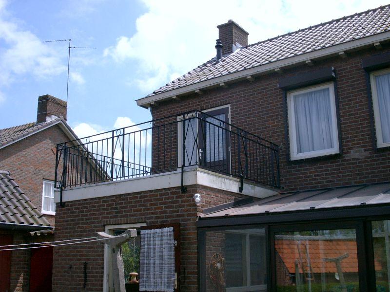 https://www.siersmederijpladdet.nl/wp-content/uploads/2020/08/balkonhek-Modde-1.jpg
