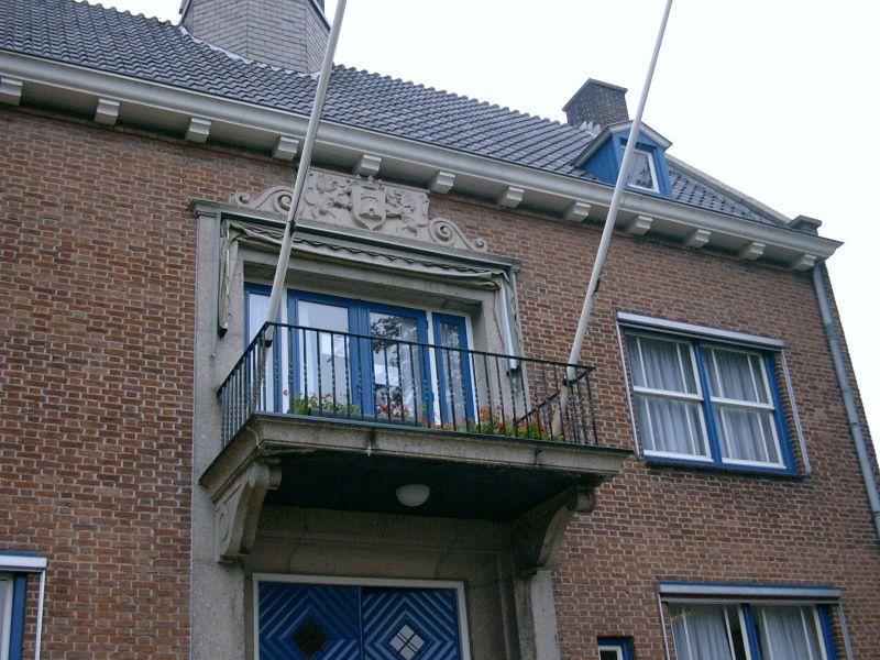https://www.siersmederijpladdet.nl/wp-content/uploads/2020/08/stadhuis-Aardenburg-2002-1.jpg