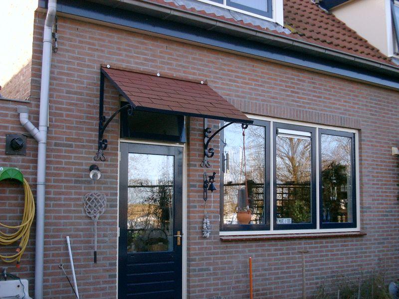 https://www.siersmederijpladdet.nl/wp-content/uploads/2020/11/afdak-voordeur-met-krullen.jpg
