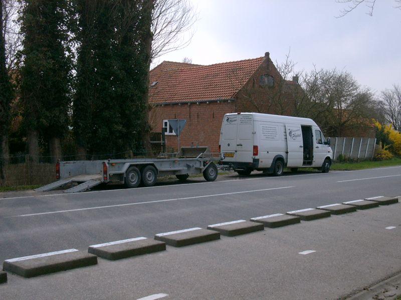 https://www.siersmederijpladdet.nl/wp-content/uploads/2020/11/bus-met-aanhanger.jpg