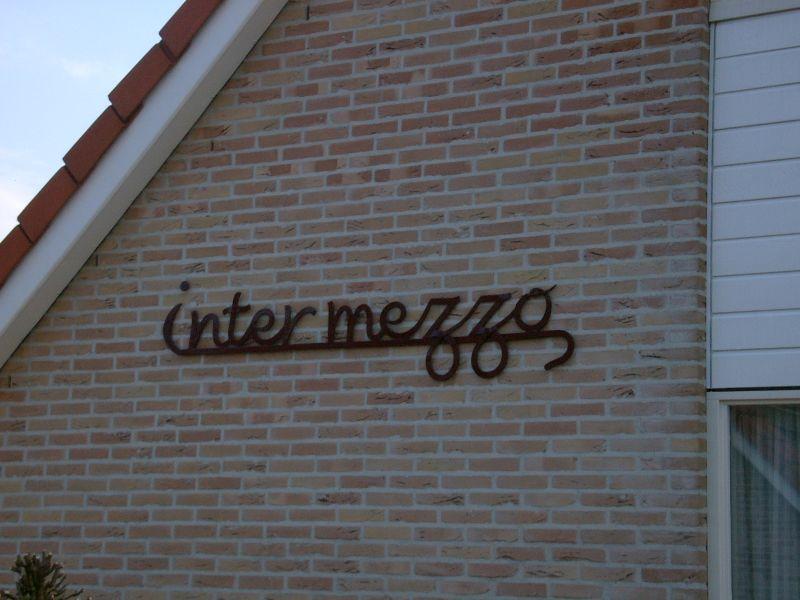 https://www.siersmederijpladdet.nl/wp-content/uploads/2020/11/naam-intermezzo.jpg