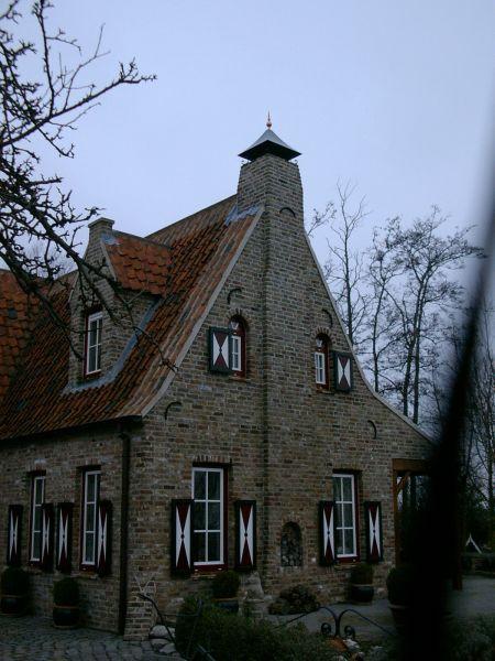 https://www.siersmederijpladdet.nl/wp-content/uploads/2020/11/schoorsteenkap-Boeye.jpg