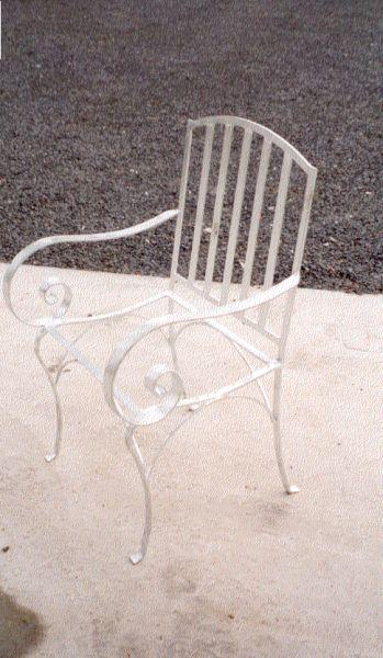 https://www.siersmederijpladdet.nl/wp-content/uploads/2020/11/stoel-dekker.jpg