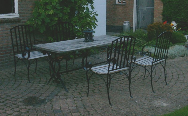 https://www.siersmederijpladdet.nl/wp-content/uploads/2020/11/tafel-zelf.jpg