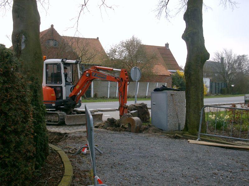 https://www.siersmederijpladdet.nl/wp-content/uploads/2020/11/werkzaamheden-kerkhof-groede-1.jpg