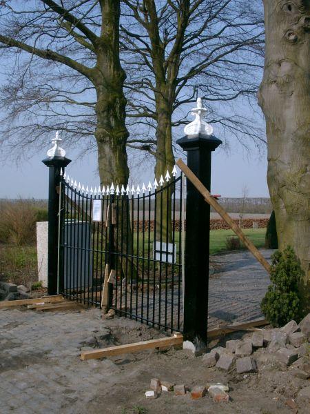 https://www.siersmederijpladdet.nl/wp-content/uploads/2020/11/werkzaamheden-kerkhof-groede-3.jpg
