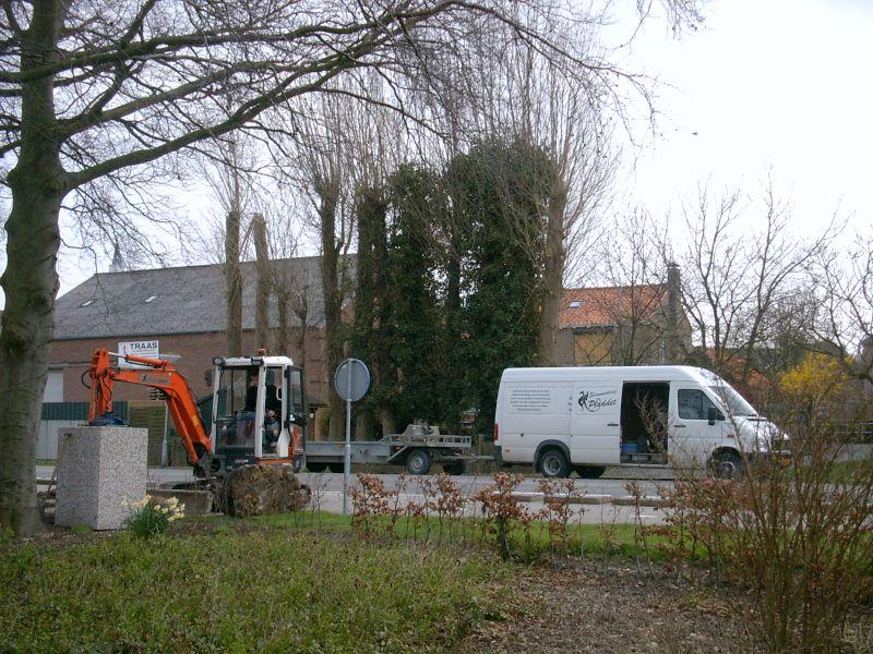 https://www.siersmederijpladdet.nl/wp-content/uploads/2020/11/werkzaamheden-kerkhof-groede.jpg